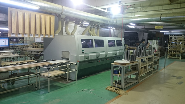 Long Molder Cutting Machine